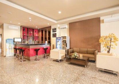 Grand Asia Hotel Makassar Bar
