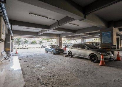 Grand Asia Hotel Makassar Tempat Parkir
