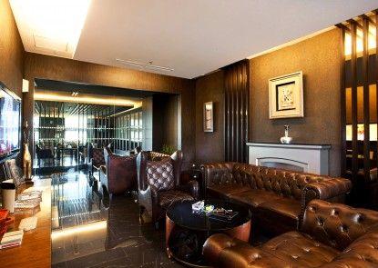 Grand Aston City Hall Medan Lounge Eksekutif
