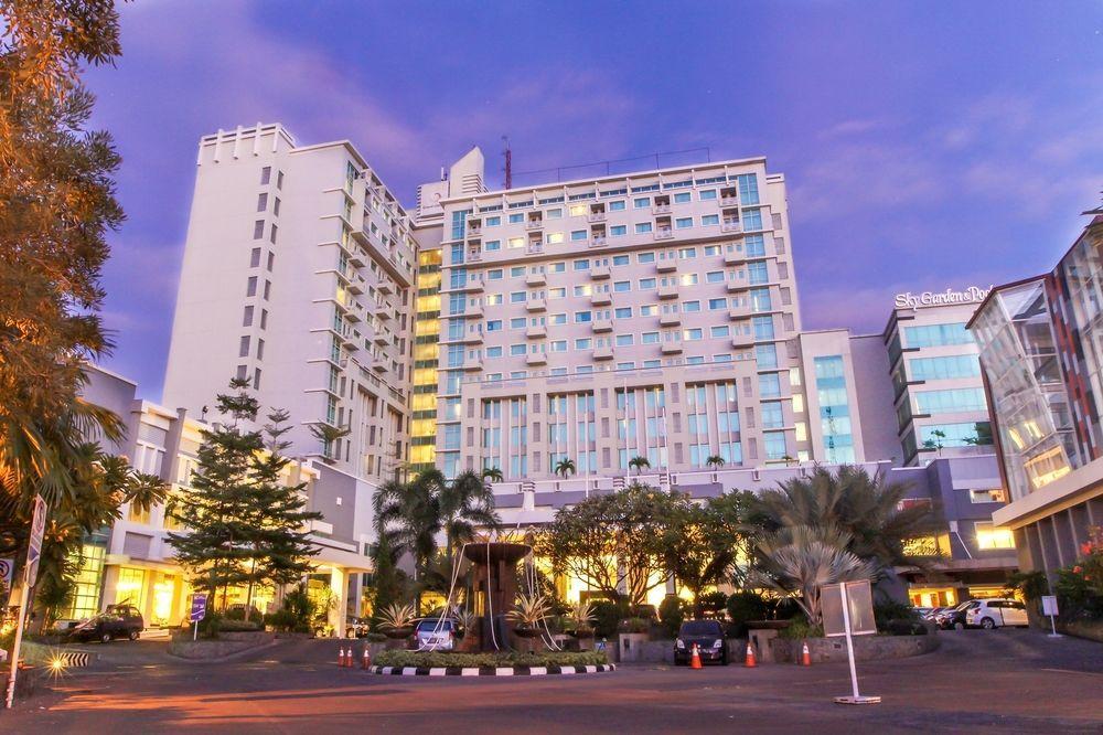 CLARO  ( ex. Grand Clarion Hotel & Convention ), Makassar