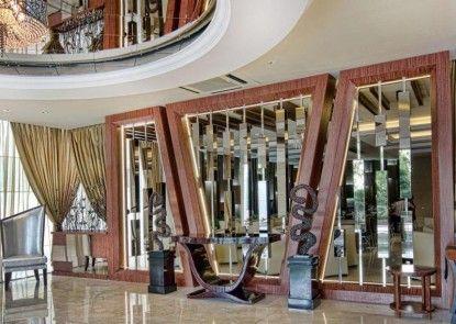 Grand Delta Hotel Medan Lobby