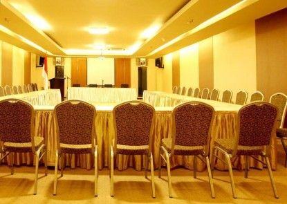 Grand Delta Hotel Medan Ruangan Meeting
