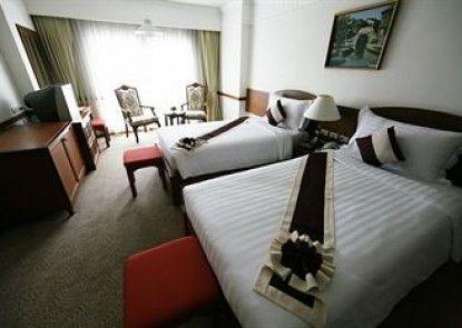 Grand Diamond City Hotel & Casino