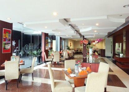 Grand Hatika Hotel Rumah Makan