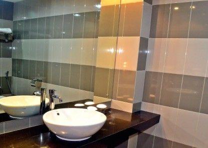 Grand Impression Hotel Medan Kamar Mandi