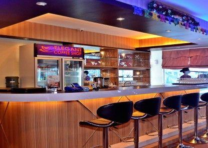 Grand Impression Hotel Medan Bar