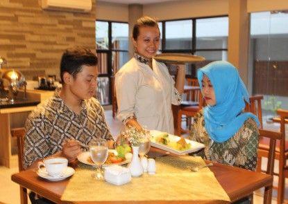 Grand Laguna Hotel & Villa Solo Rumah Makan