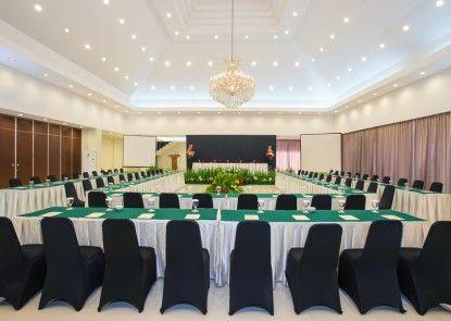 Grand Legi Hotel  Mataram Lombok Ruang Pertemuan