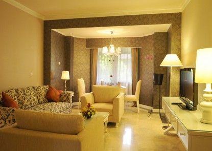 Grand Legi Hotel  Mataram Lombok Ruangan Suite