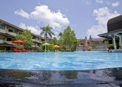 Grand Legi Hotel  Mataram Lombok Kolam Renang