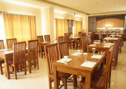 Grand Madani Hotel by Prasanthi Syariah Teras