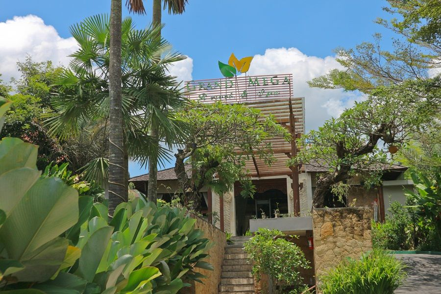 Grand Mega Resort & Spa Cepu