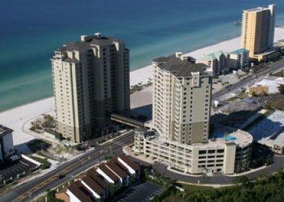 Grand Panama Beach Resort by Emerald View Resorts