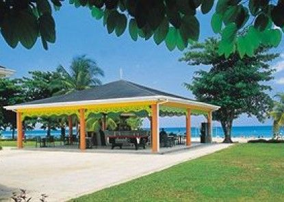 Grand Pineapple Beach Negril - All Inclusive