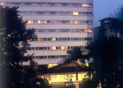 El Royale Hotel Bandung (Formerly Hotel Grand Royal Panghegar) Eksterior