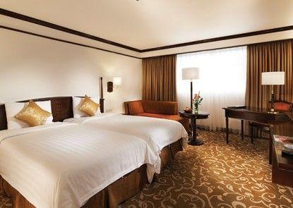 El Royale Hotel Bandung (Formerly Hotel Grand Royal Panghegar) Teras