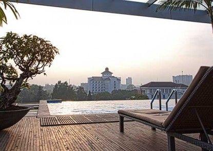 Grand Sovia Hotel Kolam Renang