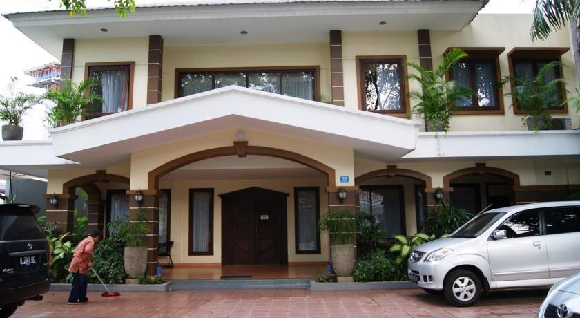 Grand Sumatera Hotel Surabaya, Surabaya
