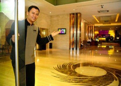 Grand Swiss-Belhotel Medan Lobby