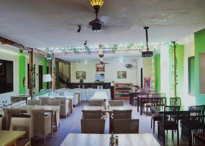 Green Bamboo Residence Kafe