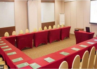 Green Bamboo Residence Ruangan Meeting
