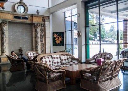 Green Garden Hotel Berastagi Lounge Eksekutif
