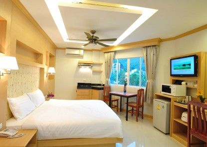 Green Harbor Hotel & Service Apartment