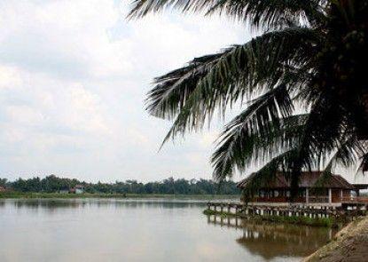 Green Village Pasir Salak Eco River Resort