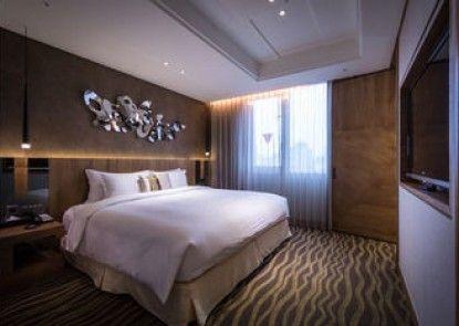 Green World Hotel - Jianpei Suites