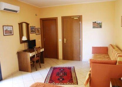 Greta Rooms