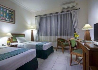 Griya Sentana Hotel Yogyakarta Kamar Tamu