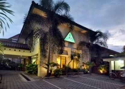 Griya Sentana Hotel Yogyakarta Eksterior
