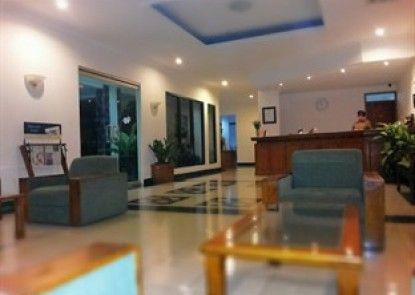 Griya Sentana Hotel Yogyakarta Lobby