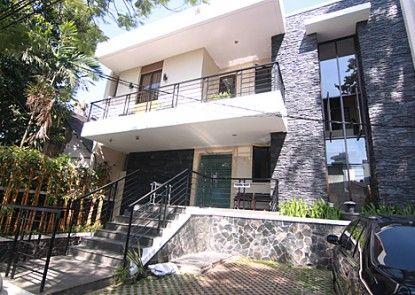 Griya Amartha Guest House Jakarta Eksterior