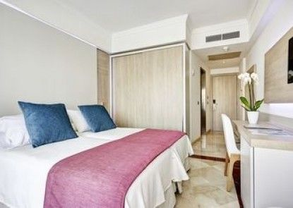 Grupotel Acapulco Playa - Adults only