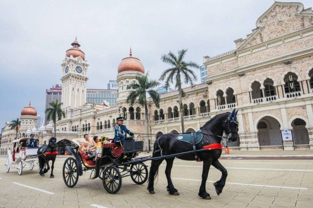 Guided Kuala Lumpur Cultural and Heritage Tour with Transfer