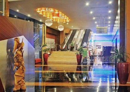 Gumaya Tower Hotel Semarang  Lobby