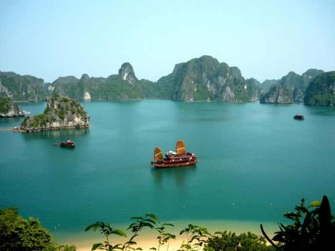 harga tiket Ha Long Bay Tour by Big Boat with Transfer Services