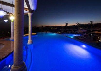 Hacienda Encantada Resort & Spa