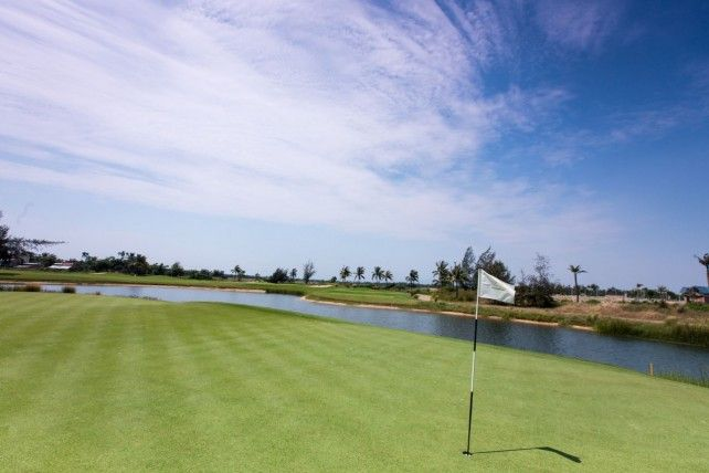 Half-day Golf Activity with Transfer Services