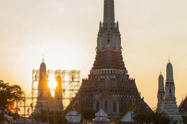Half-day Grand Palace & Temples Tour (Wat Pho & Wat Trimit) Private Tour / AM or PM