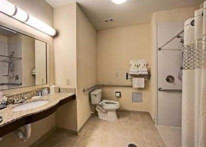 Hampton Inn & Suites Mansfield Teras