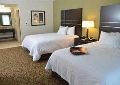 Hampton Inn and Suites Sharon