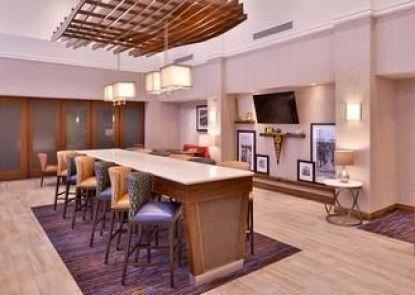 Hampton Inn & Suites Ann Arbor West