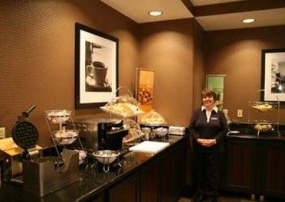Hampton Inn & Suites Detroit / Airport - Romulus