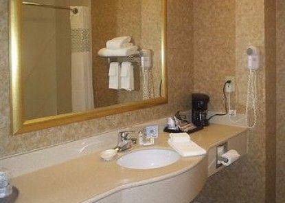 Hampton Inn & Suites Kalamazoo - Oshtemo