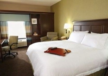 Hampton Inn & Suites Milwaukee / Franklin