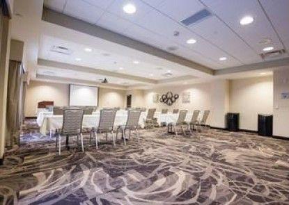 Hampton Inn & Suites Pittsburgh/Harmarville