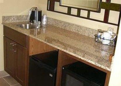 Hampton Inn & Suites Pueblo North