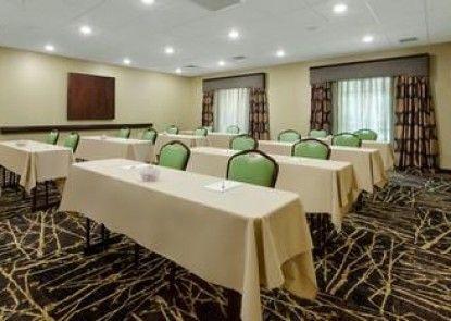 Hampton Inn & Suites Williamsport-Faxon Exit